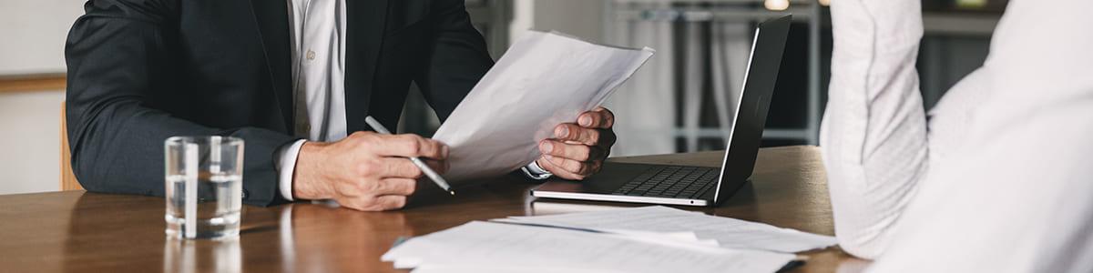 Трудовой или гражданско-правовой договор лучше заключить с сотрудниками